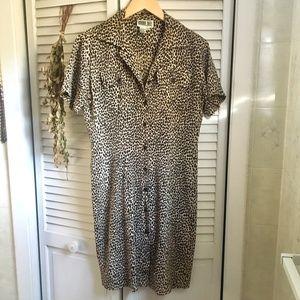 {VTG} 100% Silk Leopard Print Button Down Dress